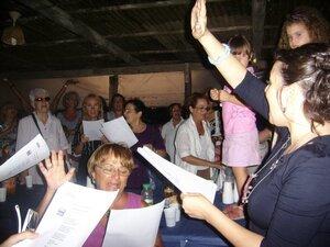 28/08/2010: insieme cantiamo 'Ciao Ciao bambina'. Nicola la cantò a 4 anni.